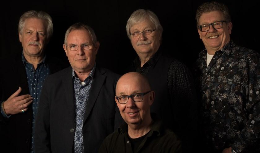 Van links naar rechts: Stef Geurtzen, Wim Jansen, Hans Westerveld, Hans Beernink en Frans van Gorkum, samen GoedVolk.