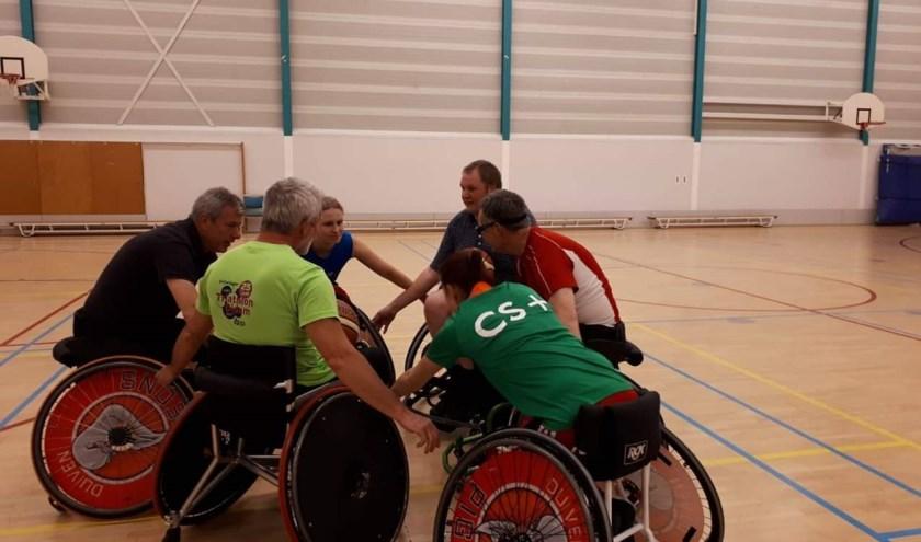 POW selectie: Alfred, Annelijne, Fons, Isabelle, Martijn, Robert. (foto: Pigeons Basketball)