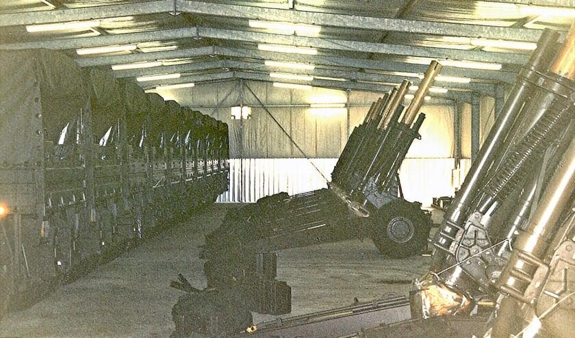 Oude foto van een ingerichte loods op het mob-complex. (foto: Babs Wolbert)