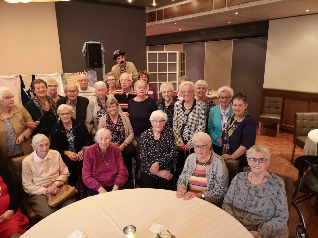 Senioren uit Westervoort en Duiven. (foto: Johan Schoolderman)  © Hét Gemeentenieuws