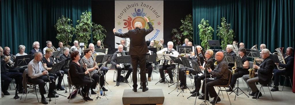 BOS in concert tijdens festival in Beusichem. (foto: G. Koopman) Foto: G. Koopman © Hét Gemeentenieuws