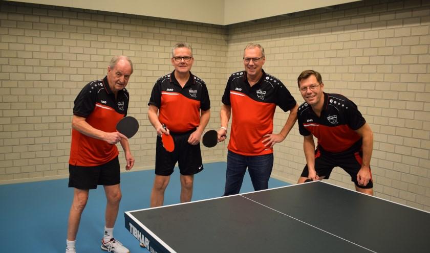 De kampioenen Hans, Ruud, Johan en Frank. (foto: Henk Barends)