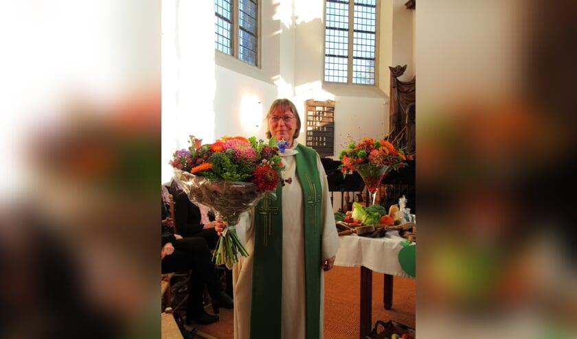 Ds Ella Kamper die haar 25-jarige predikants-jubileum viert. (foto: Louisa Griffioen)