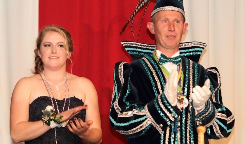Prins Jochem de Kartrekker en hofdame Suzie. (foto: Henk Sluiter)