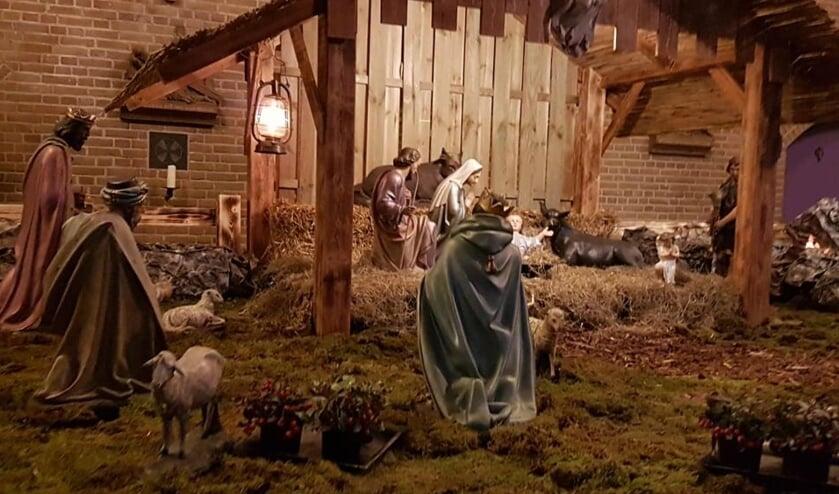 Kerststal in kerkgebouw. (foto: Kerk Huissen centrum)