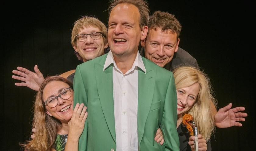Vincent Bijlo met Eindejaarsshow in Het Musiater. (foto: Govert Govers)