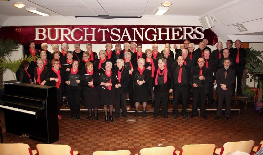 Gemengd koor De Burchtsanghers. (foto: Theo Witjes)