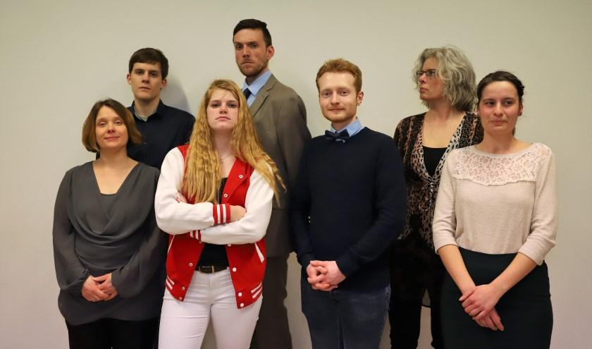 Spelersgroep Toneelvereniging Steeds Hoger. (foto: Anne van Benthum-Jansen)