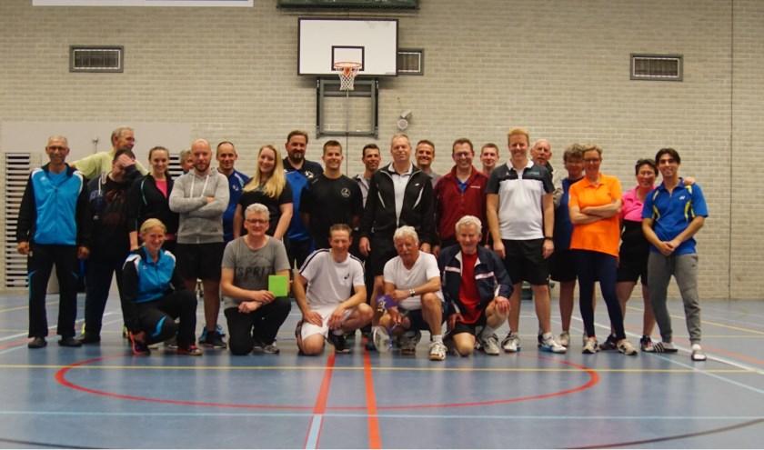 Deelnemers BEST-toernooi. (foto: BC Zetten)