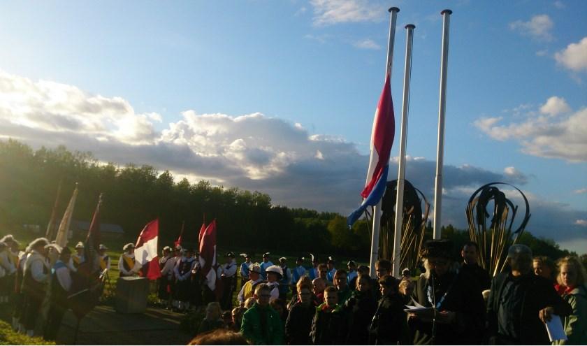 4 mei herdenking in Overassselt. (foto: Marjolein Pieks)