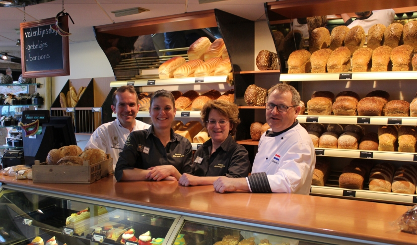 Team van Bakkerij van Bentum: v.l.n.r. Meester Boulanger Daan Hesseling, Ellen Hesseling, Hetty Cornelissen en Robbie van Bentum.