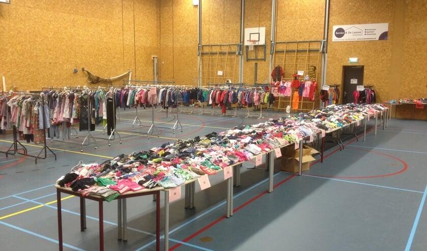 Ruime keuze aan kleding op de kinderkledingbeurs! (foto: Kinderkledingbeurs)