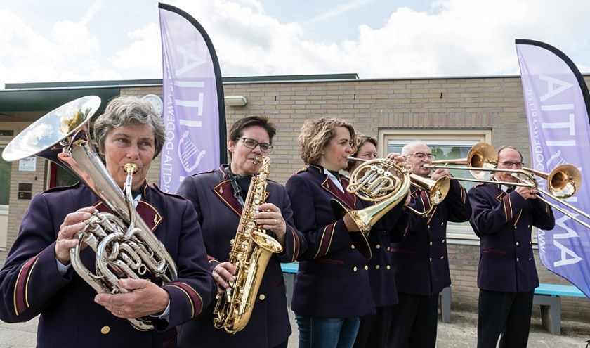 Enkele leden van christelijke muziekvereniging Amicitia. (foto: Anoeska van Slegtenhorst)