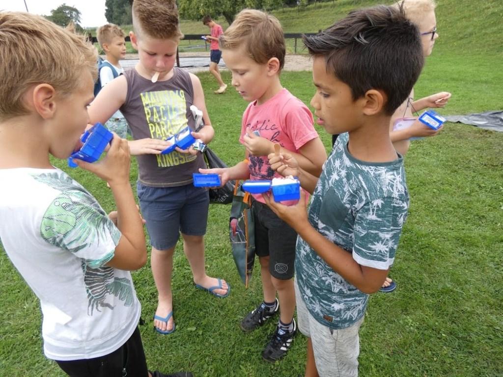 dijkspel ijsje eten Foto: Nelleke Brenkman © Hét Gemeentenieuws