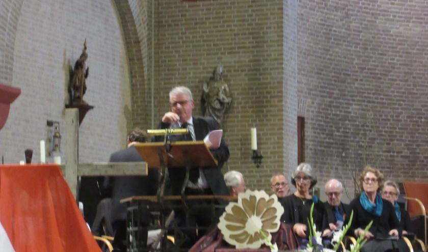 Opdat wij niet vergeten en samen herdenken. Stadskerk Huissen. (foto: Wim Woudt)