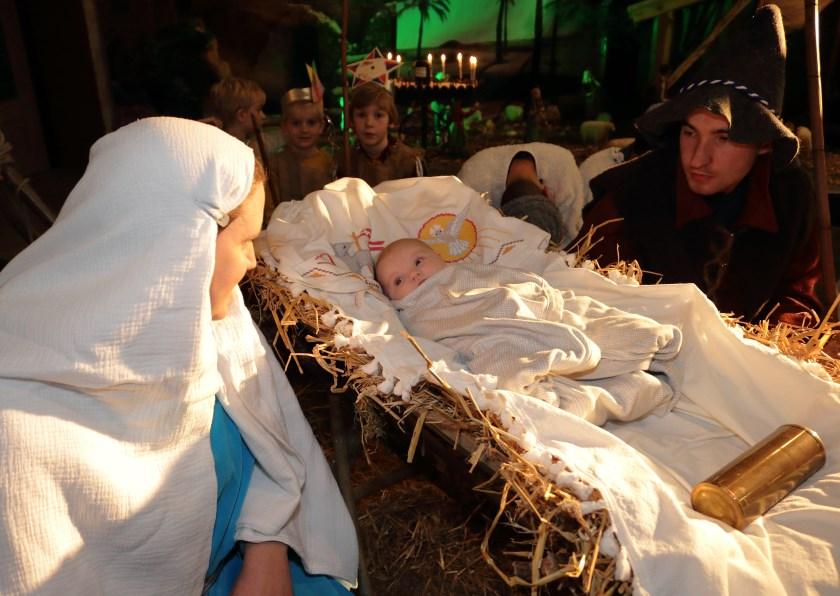 Levende kerststal Bavokerk Angeren 2019 (foto: Henk Sluiter)