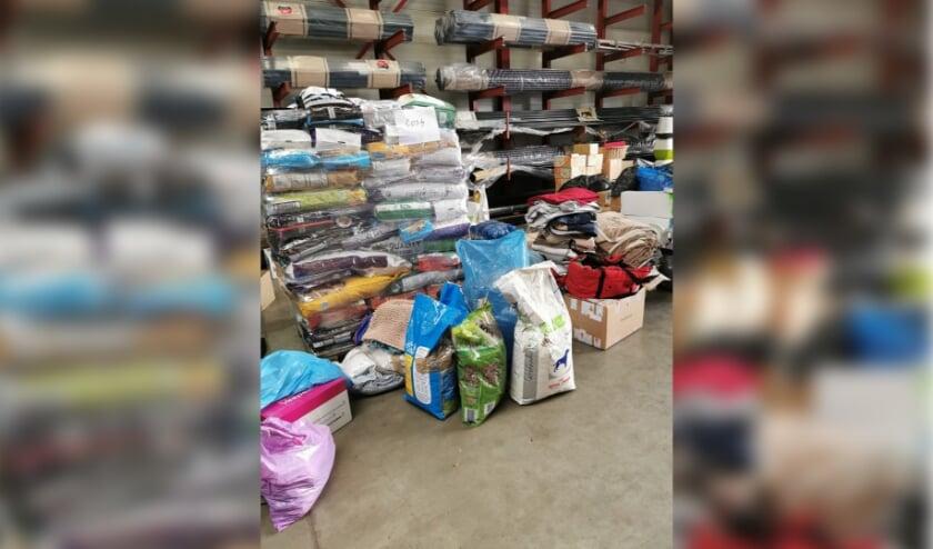 <p>Op de foto is te zien wat er zoal gedoneerd is voor Merlyn afgelopen zaterdag in de verzamel loods in Rucphen. </p>