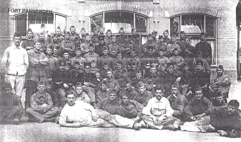 <p>Groep soldaten WO I. (foto: Wim Haafs)</p>