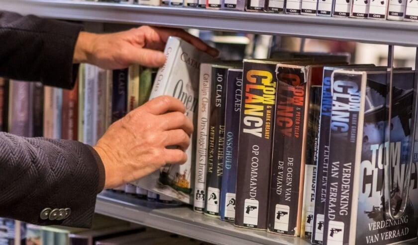 <p>Bibliotheken zijn alleen open voor afhalen en inleveren van bibliotheekmateriaal. (foto: Marcel Krijgsman)</p>