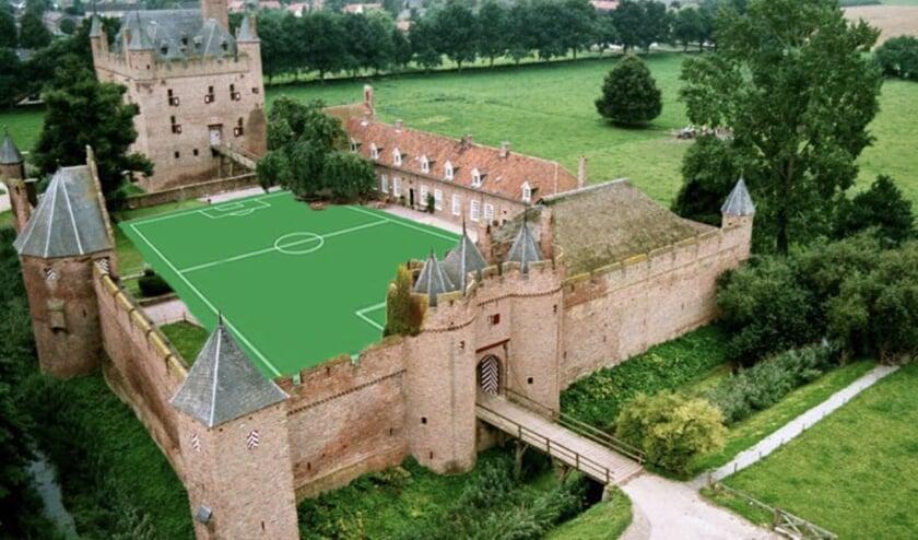 <p>Voetbal in de middeleeuwen? (foto: Wilko Brom)</p>