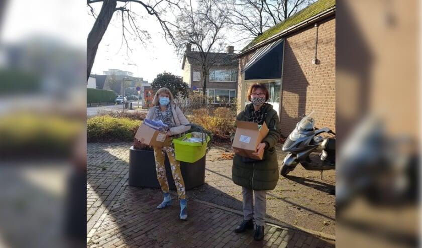 <p>151 kerstattenties in Ochten. (foto: Welzijn Rivierstroom)</p>