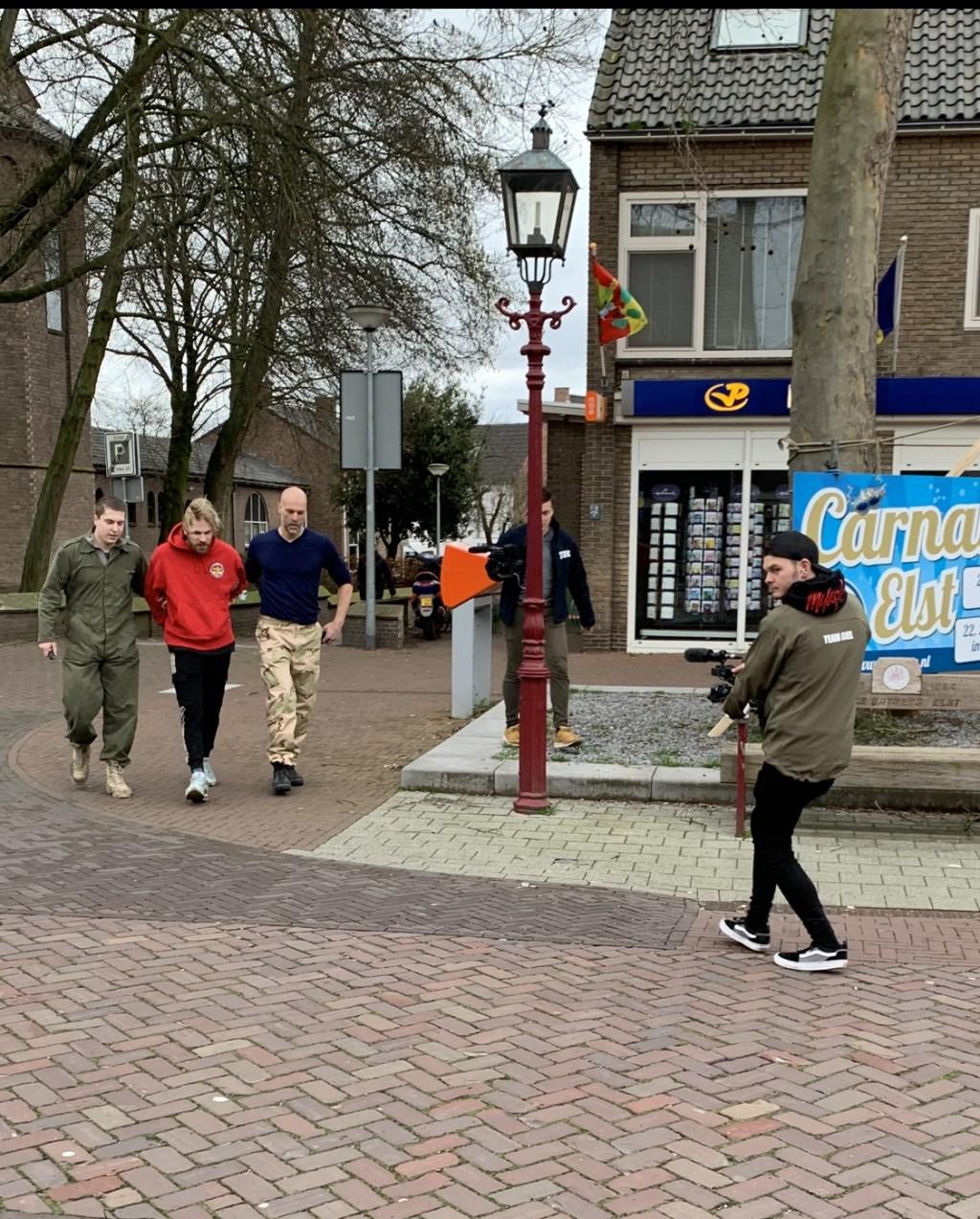 Stefan van Stuk TV opgepakt in het dorp