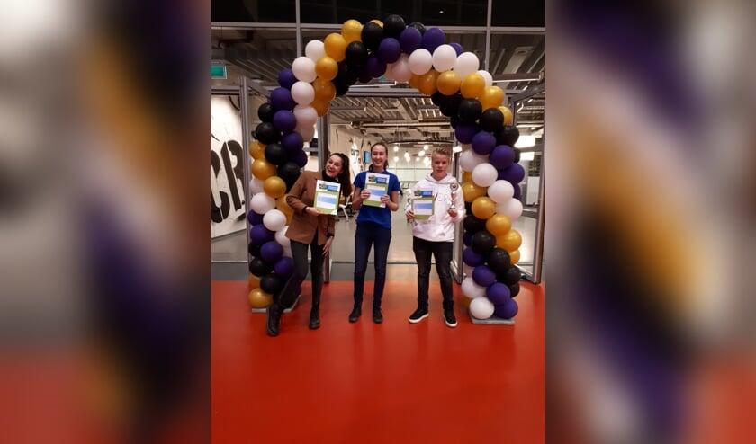 HPC-leerlingen (van links naar rechts: ) Nynke Swart, Mila Krijnen en Daan Barends zijn door naar de finale van Skills Talents. (foto: HPC Zetten)