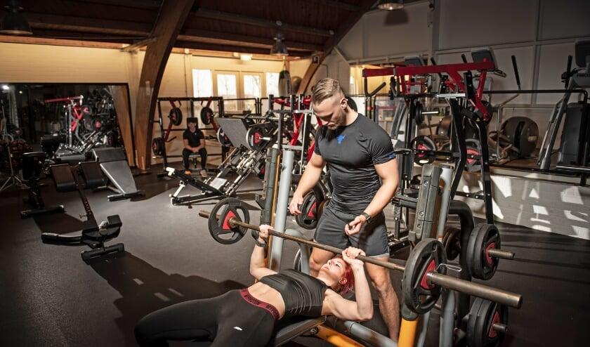 Jelmer van Bent Sports aan het werk als personal trainer.