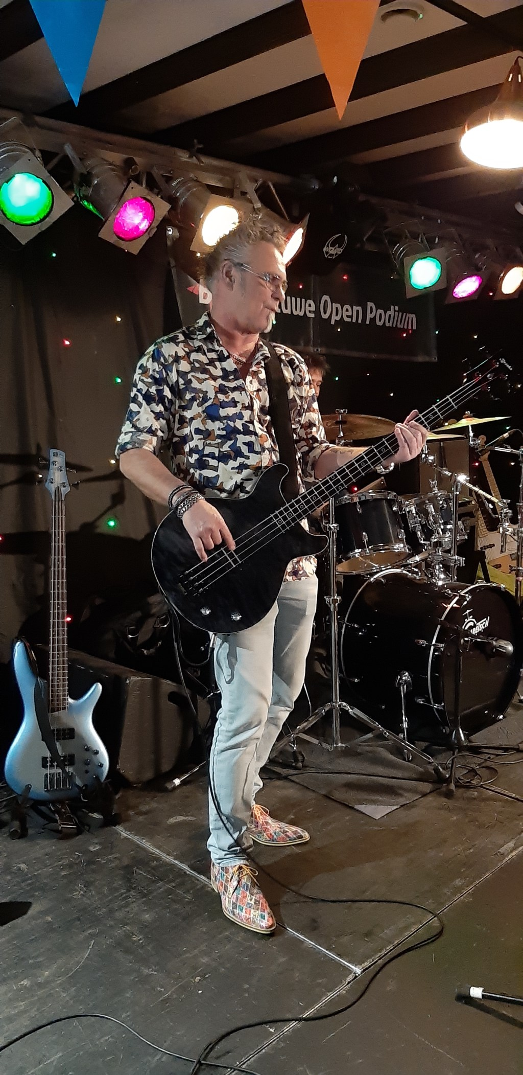 Zanger/bassist van Rosco P