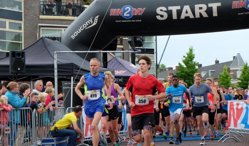 De MHB Overbetuweloop trekt ieder jaar meer deelnemers. (foto: Susanne van der Steen )