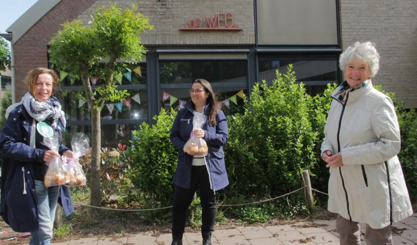 Wethouder Annelies Visser bedankt de scholen en kinderopvang. (foto: Peter Hendriks)