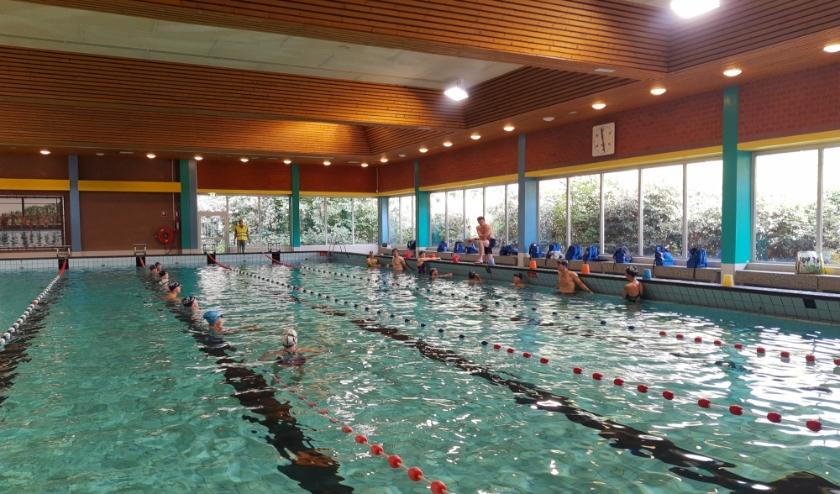 De eerste zwemtraining sinds maanden. (foto: De Blauwe Schuur)