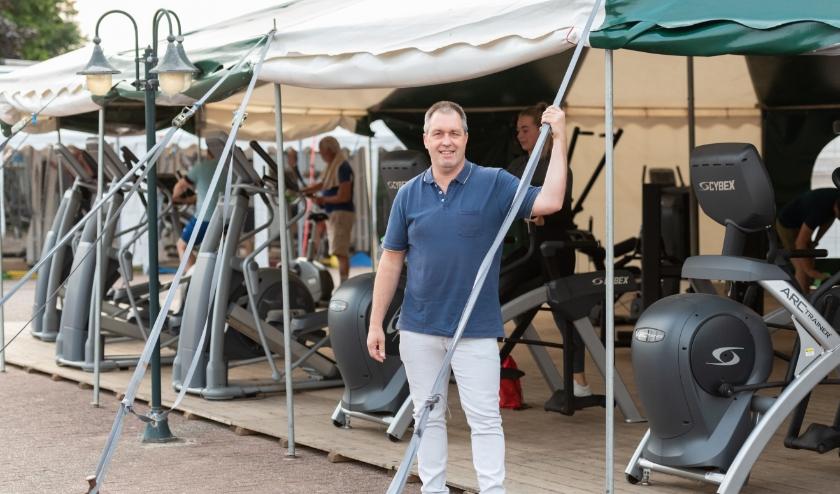 Marcellino voor de fitnesstent/free weights zone