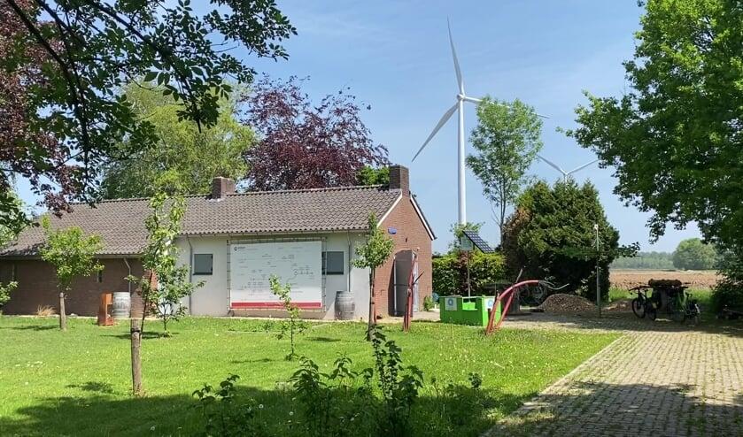 Studio De Grift, uitzending vanaf het windpark Nijmegen-Betuwe. (foto: Christine Wevers)