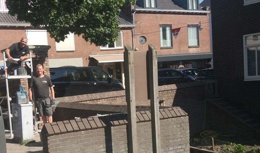 Trots over restauratie nabij De Buitenpoort. (foto: Van Hemmen)
