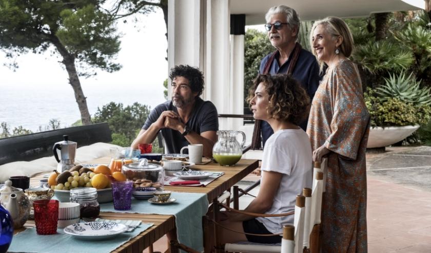 In de film Croce e delizia worden twee families samengebracht voor een huwelijk. (foto: Arti Film)