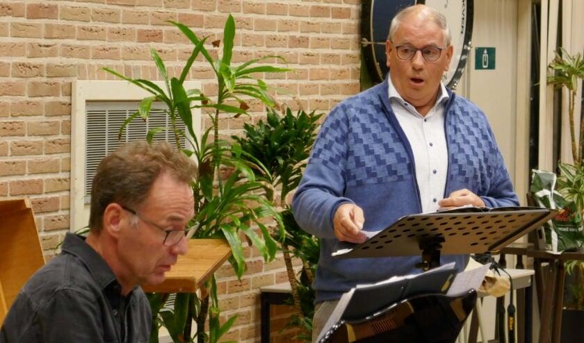 Solist Martin oefent. (foto: Maurice Gemmeke)
