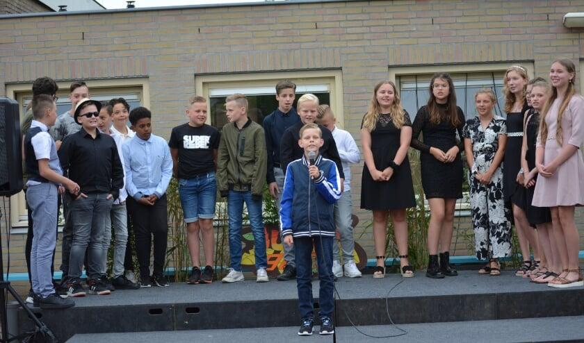 Scene uit de musical van groep 8. (foto: J. van der Tweel)