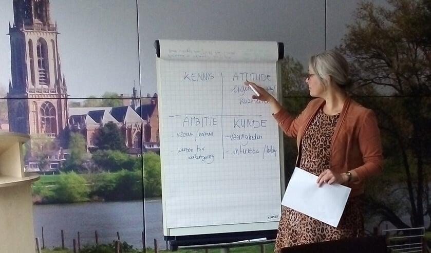 Eline van Berkum tijdens de JobGrouptraining. (foto: Cora van den Berg)