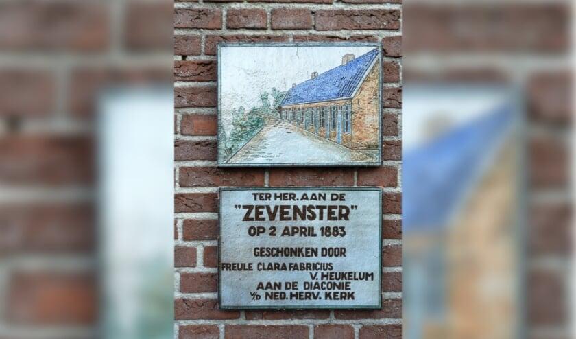 Gedenksteen 'Zevenster' Slijk-Ewijk. (foto: Dini Huijbers)