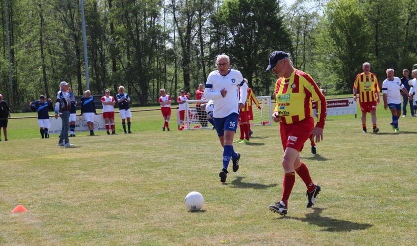 Spelmoment tijdens toernooi in Helmond. (foto: Harry Smits)