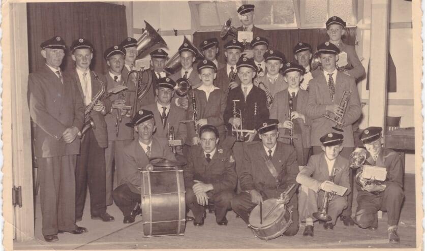 Harmonie Angeren 1955 (foto: archief Harmonie0