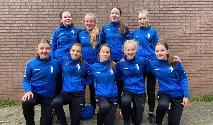 <p>E&eacute;n van de drie winnaars: De meiden C1 HV Huissen. (foto: J. Roelofs)</p>