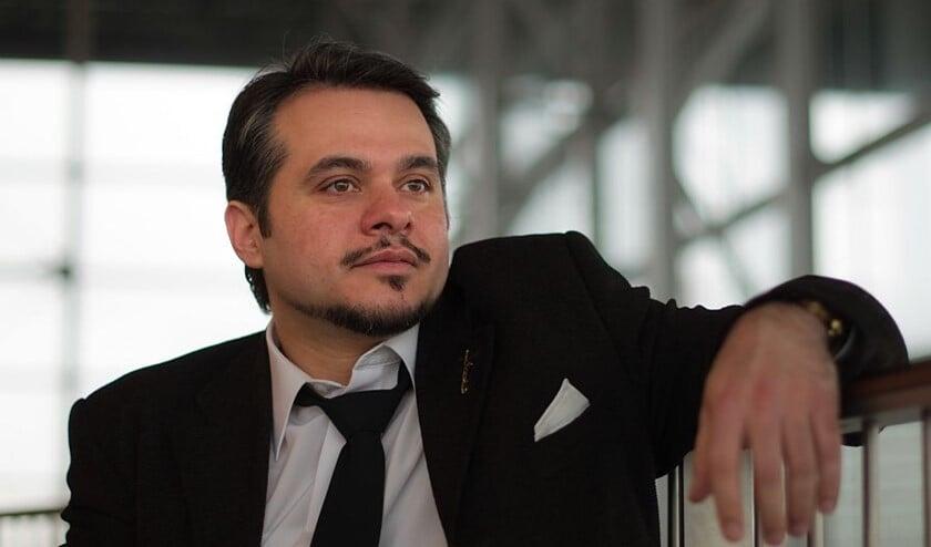 Yiorgo Moutsiaras.