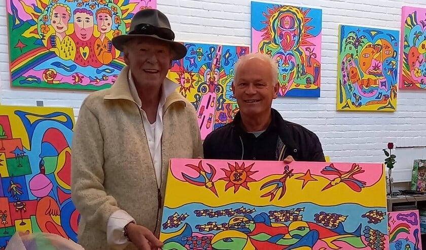 Geert Smits met Peter Faber. In Groessen worden twee werken van Faber verloot.
