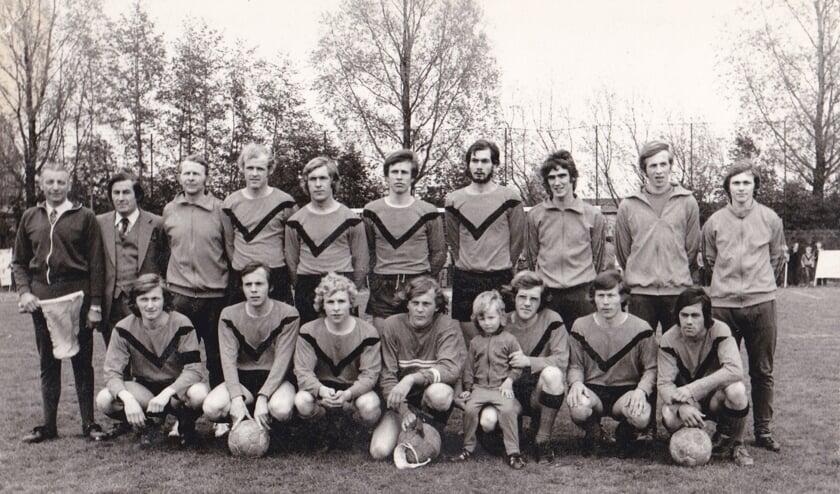 <p>Kampioensfoto 1973 Bataven derde klasse.</p>