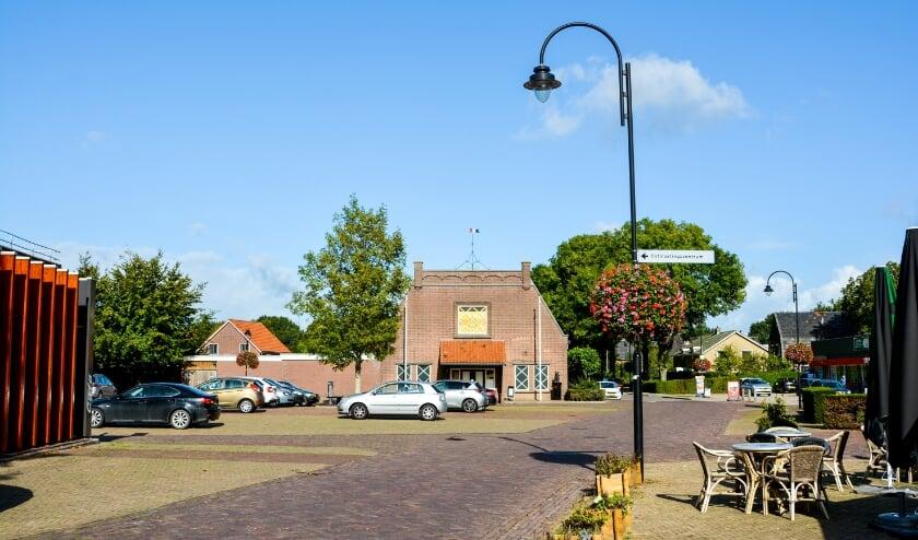 <p>Bloembaskets Kerkstraat. (foto: Richard van Driel)</p>