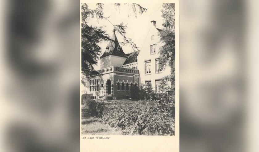 <p>Het &lsquo;Huis te Bemmel&rdquo;- 16e eeuw. (Collectie Het Limburgs Museum, Venlo)</p>