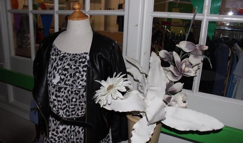 <p>De kledingruilwinkel in Haalderen. (foto: Runak Sharaf)</p>