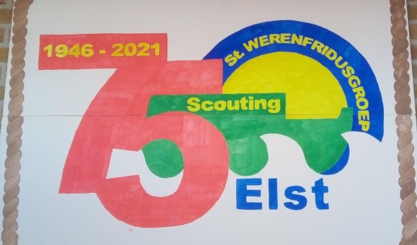 <p>Het jubileumlogo van Scouting Elst. (foto: John Mens)</p>